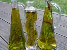 V kuchyni vždy otevřeno ...: Ochucené bylinkové oleje Voss Bottle, Water Bottle, Glass Vase, Water Bottles