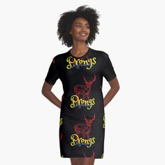 'Red Stag-James Potter's Animagi named Prongs by the Marauders' Graphic T-Shirt Dress by Club Dresses, Sexy Dresses, Trendy Outfits, Girl Outfits, Summer Fresh, Night Out Outfit, Girls Night Out, Wedding Styles, Designer Dresses