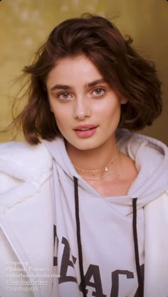 Taylor Hill Style, Taylor Marie Hill, Victorias Secret Models, Victoria Secret Fashion Show, Pretty Makeup, Woman Face, Beautiful Eyes, Hair Lengths, Hair Inspiration