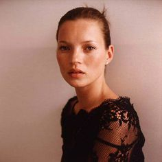 parasoli: kate moss by richard dumas 1999.