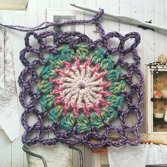Crochet Granny Square Inspiration ❥ 4U hilariafina http://www.pinterest.com/hilariafina/