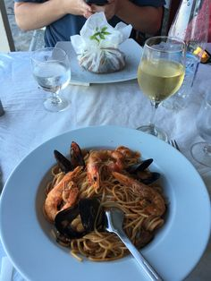 [i ate] the most flavorful seafood pasta while in Santorini #recipes #food #cooking #delicious #foodie #foodrecipes #cook #recipe #health