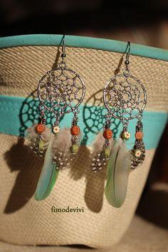 attrape rêve en boucles d'oreilles de métal , polymère et plume : Boucles d'oreille par fimodevivi