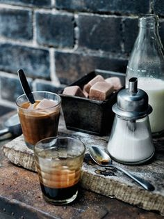 Chris Court Photography | COFFEE in the morning | pinned by http://www.cupkes.com/