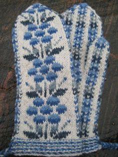 Kainuun kukkalapaset - Villa Valkoinen - Vuodatus.net Knit Mittens, Mitten Gloves, Fair Isle Knitting Patterns, Blanket, Villa, Crochet, Color, Scandinavian, Ideas