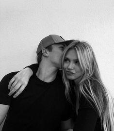 Cute Couples Photos, Cute Couple Pictures, Cute Couples Goals, Couple Photos, Romantic Pictures, Couples In Love, Romantic Couples, Couple Goals Relationships, Relationship Goals Pictures