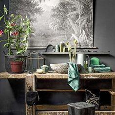 Dark botanics * Interiors * The Inner Interiorista Home Staging, Style Deco, Dark Interiors, Bathroom Styling, Home Decor Wall Art, Natural Living, Interiores Design, Interior Inspiration, Living Spaces