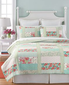 Martha Stewart Collection Aqua & Coral Patchwork Posey Full/Queen Quilt - Bed in a Bag - Bed & Bath - Macy's Coral And Turquoise Bedding, Aqua Bedding, Quilt Bedding, White Bedding, Aqua Quilt, Camas King, Bed In A Bag, Twin Quilt, Queen Quilt