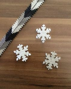 This year's fashion Miyuki wrists and combiners are now . Seed Bead Tutorials, Seed Bead Patterns, Beaded Jewelry Patterns, Beading Tutorials, Beading Patterns, Bead Jewellery, Seed Bead Jewelry, Seed Bead Earrings, Bracelets