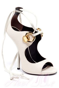 Giuseppe Zanotti - Shoes - 2013 Spring-Summer Only white shoes I would wear! Hot Shoes, Crazy Shoes, Me Too Shoes, Shoes Heels, Pumps, Giuseppe Zanotti Shoes, Zanotti Heels, Giuseppe Zanotti Design, Mode Style
