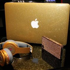Golden touch by 2base.it on MacBook Air and Monster Beats