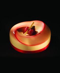 Dessert meringué aux framboises by Iginio Massari