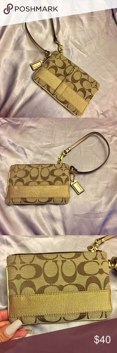 Coach Wristlet Coach Wristlet. Used it twice. Great condition! Coach Bags Clutches & Wristlets