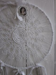 A+vintage+lace+doily+dream+catcher+with+a+gorgeous+big+by+SierGoed,+€21.95