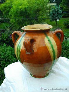 muy antigua orza,cantaro o tinaja en ceramica de la bisbal de cuatro asas,tradicional catalana