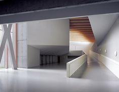 Centro Socio Cultural Ágora / Rojo/Fernandez-Shaw + Liliana Obal