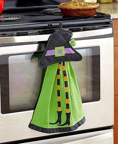WITCH 2 Piece Halloween Kitchen Set Pot Holder & Towel Holiday Home Decor New