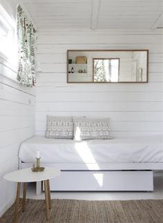my scandinavian home: Summer cottage Estilo Interior, Home Interior, Interior Designing, Interior Decorating, Decorating Ideas, Decor Ideas, Home Bedroom, Bedroom Decor, Bedroom Ideas