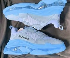 Dr Shoes, Cute Nike Shoes, Swag Shoes, Cute Sneakers, Nike Air Shoes, Hype Shoes, Jordan Shoes Girls, Girls Shoes, Basket Style