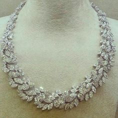 Vintage Jewelry Opened my eyes to these stunning diamond necklace Beautifully designed for marquise lovers! by jewelryjournal Modern Jewelry, Luxury Jewelry, Vintage Jewelry, Fine Jewelry, Handmade Jewelry, Glass Jewelry, Body Jewelry, Jewelery, Jewelry Necklaces