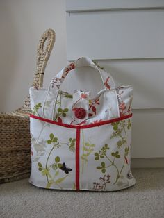 I recently made a large bag by following this free pattern and tutorial http://www.make-baby-stuff.com/free-diaper-bag-pattern.html   Th...