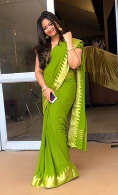 Sweet and stunning beauty Beautiful Women Over 40, Beautiful Girl Indian, Beautiful Saree, Beautiful Indian Actress, Blouse Models, Saree Models, Saree Photoshoot, Indian Beauty Saree, Indian Sarees