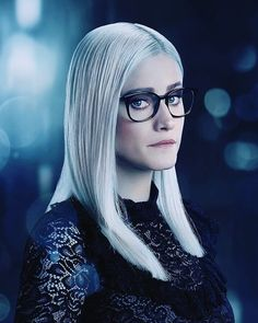 """The Magicians Olivia Taylor Dudley as """"Alice Quinn"""" The Magicians Alice Quinn, The Magicians Syfy, Summer Bishil, Olivia Taylor Dudley, Girls With Glasses, Hot Actresses, Celebrity Crush, Pretty Woman, One Pic"""