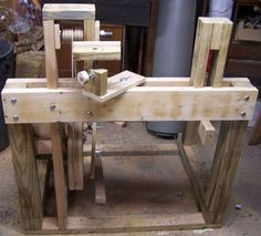 Woodworkers Guide: Easy to build Continuous Motion Treadle Lathe