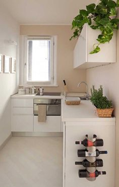 6 Modern Small Kitchen Ideas That Will Give a Big Impact on Your Daily Mood - Houseminds Small Modern Kitchen ,Modern Small Kitchen Design ,Kitchen Island Ideas for Small Kitchens ,Small Kitchen Decor ,Kitchen Ideas for Small Spaces Small Modern Kitchens, Small Space Kitchen, Home Kitchens, Small Spaces, Kitchen Modern, Very Small Kitchen Design, Basic Kitchen, Contemporary Kitchens, Interior Design Kitchen