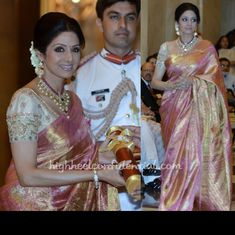 sridevi in a traditional saree. she looks so pretty. the saree and necklace are amazing.