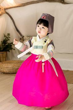 Korean Hanbok, Korean Dress, Korean Traditional, Traditional Dresses, Korean Wave, Kids Wear, Dress Outfits, Flower Girl Dresses, Wedding Dresses