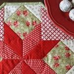 Tips for Piecing Small and Mini Quilt Blocks - Quilting Digest Small Quilts, Easy Quilts, Mini Quilts, Christmas Quilting Projects, Christmas Fabric, Patch Quilt, Quilt Blocks, How To Make Notes, Mug Rugs