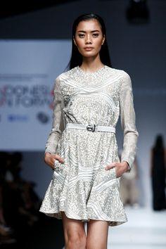 SAPTO DJOJOKARTIKO INDONESIA FASHION FORWARD SHOW Fashion Forward, Runway, High Neck Dress, Dresses With Sleeves, Long Sleeve, Modern, In Trend, Cat Walk, Turtleneck Dress