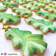 1 + Irresistible Christmas Desserts to Serve This Holiday Dazzle your holiday table (and guests!) with these easy-to-make cookies . Christmas Tree Cookies, Iced Cookies, Christmas Sweets, Christmas Cooking, Noel Christmas, Christmas Goodies, Cookie Desserts, Holiday Cookies, Easy Christmas Cookies Decorating