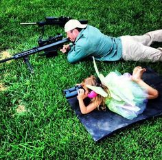 this is an adorable father/daughter picture.