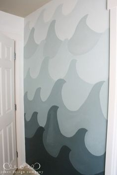 ombre painted wave wall. kids bathroom.