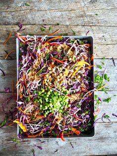 Thai nudelsalat Nom Nom, Side Dishes, Mat, Food And Drink, Crafts, Healthy, Recipes, Thai Noodle Salad, Manualidades