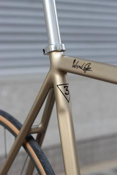 Details we like / Frame / Bicycle/ Brown / Indent / at Pelizzoli Leggenda FOR 3