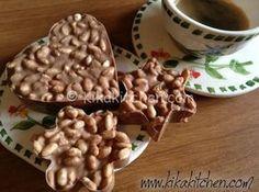 I dolcetti di riso soffiato con cioccolato kinder sono una fedele riproduzione fatta in casa dei famosi kinder cereali. Ricetta passo passo.