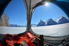 Tienda de campaña para senderistas que disfrutan de las vistas y quieren tener espacio extra