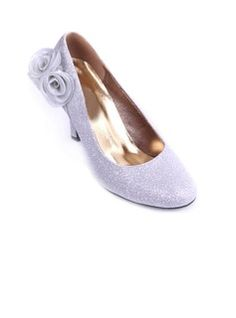 Cloth Low Heel Closed Toe Wedding Shoes With Satin Flower (047011825)