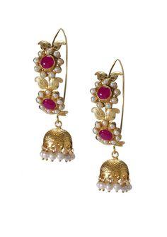 Idea: dome a circle in silver and dangle pearls. India Jewelry, Ethnic Jewelry, Antique Jewelry, Jewelry Box, Silver Jewelry, Jewelry Accessories, Jewelry Design, Jewellery, Diamond Jewelry