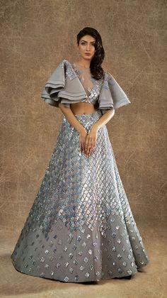 Lehnga dress 429319776980780399 - Lehnga dress 429319776980780399 Source by - Indian Wedding Gowns, Indian Gowns Dresses, Indian Bridal Outfits, Indian Fashion Dresses, Indian Designer Outfits, Bridal Dresses, Designer Party Wear Dresses, Dress Indian Style, Lehenga Designs