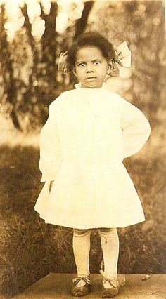 1910 I'll bet this little gal would tell you what was on her mind!!!