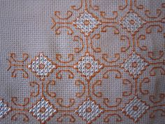 This Pin was discovered by Esi Kasuti Embroidery, Simple Embroidery, Cross Stitch Embroidery, Embroidery Patterns, Hand Embroidery, Cross Stitch Borders, Cross Stitch Flowers, Cross Stitch Charts, Cross Stitching