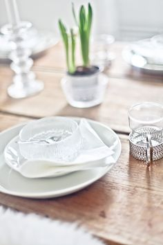 Finnish design Design Interiors, Interior Design, Finland, Table Settings, Plates, Tableware, Diy, Home Decor, Nest Design