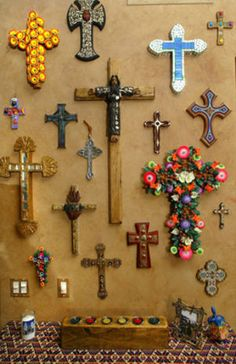 Love this collection of crosses on a master bedroom wall. It would make a gorgeous Day of the Dead altar background! Mexican Home Decor, Mexican Folk Art, Mexican Style, Crosses Decor, Wall Crosses, Religious Icons, Religious Art, Old Rugged Cross, Sign Of The Cross