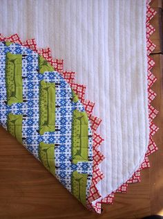 super easy continuous prairie point tutorial by sewtakeahike, via Flickr…