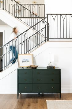 Iron stair railing design