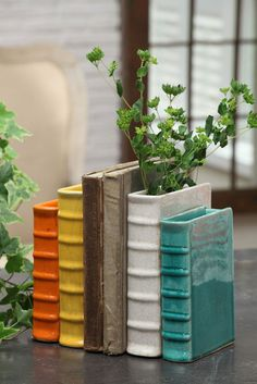 Love these flower pot bookends